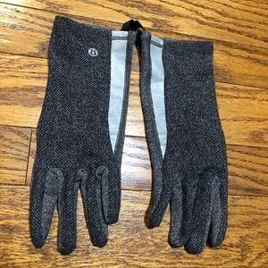 Lululemon Herringbone Gloves M/L